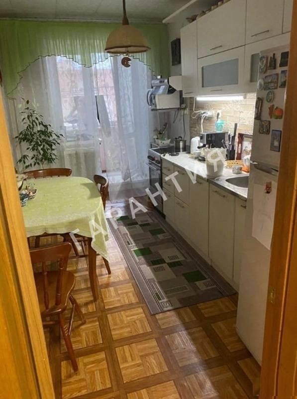 Вологда, Ленинградская улица, дом 107